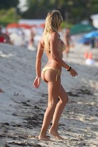 Laura Cremaschi Showing Off Her Amazing Ass 08