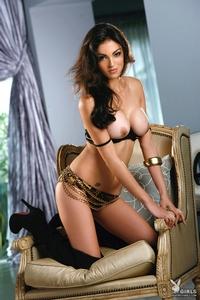 Nadia Moore 14