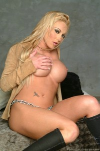 Dayton Rains Plays With Her Pussy 06