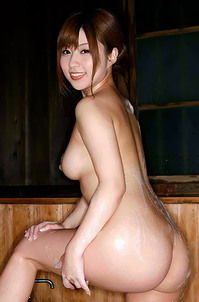 Kokomi Naruse Shows Her Naked Body