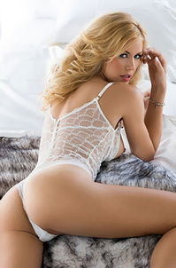 Playboy Glamour Babe Kennedy Summers
