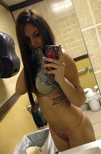 Non Nude Girlfriends Camwhoring At Home